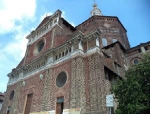 Duomo di pavia in Summer