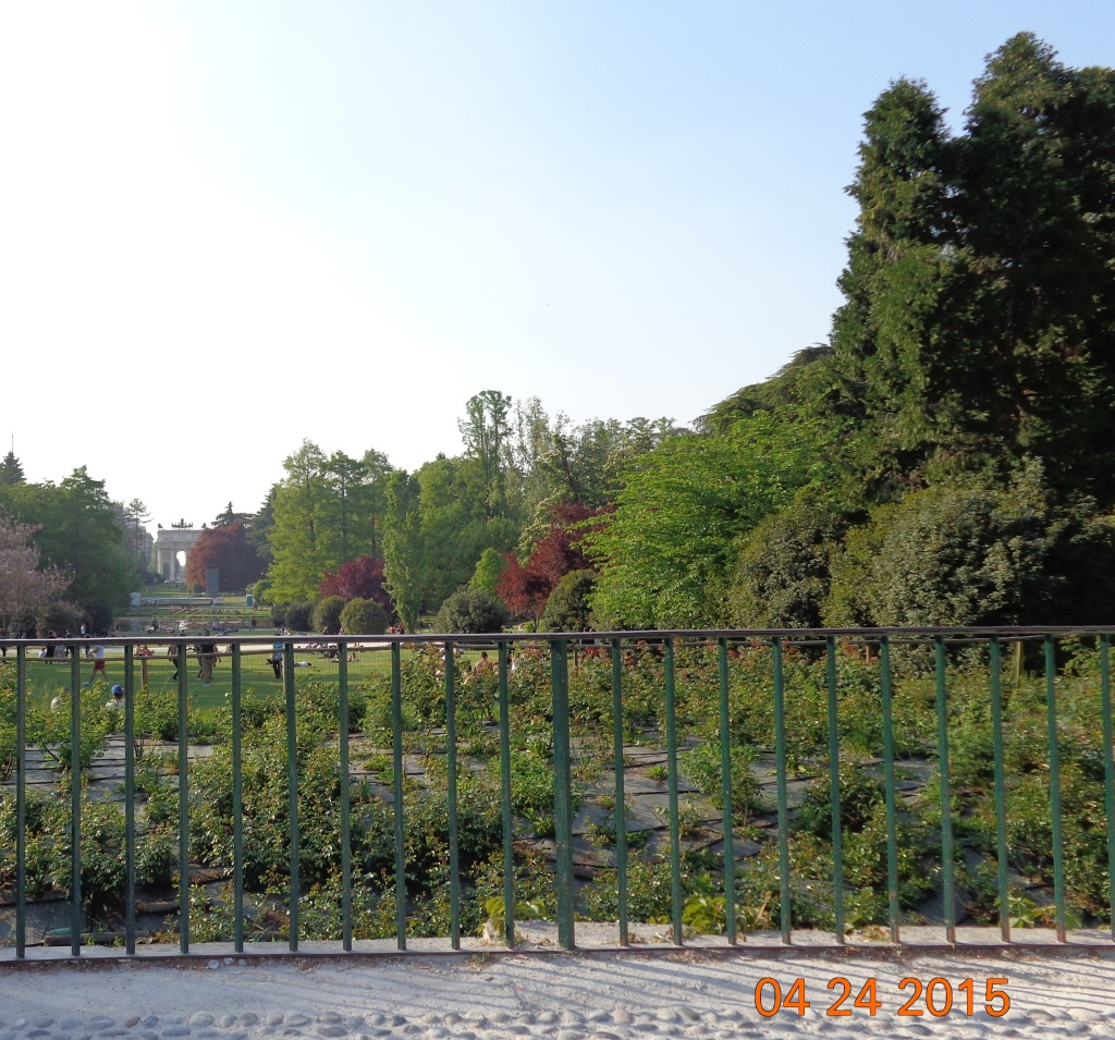 Simplon (Sempione) Park, with Arco della Pace (Arch of Peace) at the end